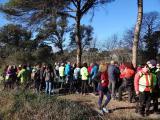 Alumnes dels Cursos de Català i participants del Voluntariat per la llengua amb la caminada solidària de Caldes bull amb la Marató