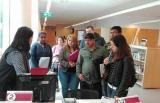 Alumnes de català bàsic de Barberà a la Biblioteca Esteve Paluzie