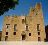 Visita guiada al castell amb els alumnes de Bàsic 1