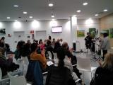 Alumnes dels cursos de català de Sant Feliu, a la inauguració del V Cicle de Contrapunt poètic