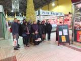 Pràctiques lingüístiques al Mercat Cobert de Roses amb els alumnes dels cursos Bàsic 1