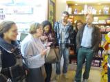Alumnes de català coneixen botigues històriques de Cerdanyola