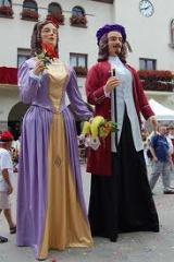 Visita a la seu de la Colla de Geganters i Grallers de Barberà del Vallès