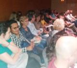 Alumnes i participants de VxL de Barberà van al teatre: 'Les noies de Mossbank Road'