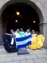 Els hondurenys omplen de nou el Poble Espanyol
