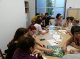 Els alumnes de Sant Andreu juguen a l'Scrabble en català.