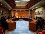Visita a l'Ajuntament de Roses. Presentació a càrrec de l'alcaldessa, Montse Mindan, i del regidor de Cultura, Francesc Giner
