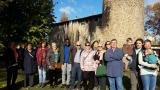 Inici del Voluntariat per la llengua a Parets amb una visita guiada a la Torre de Cellers