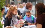 Pràctiques lingüístiques per Sant Jordi a Castelldefels