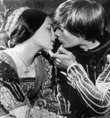 Una escena de <em>Romeu i Julieta.</em> Cloenda del Club de Lectura Fàcil de Montornès del Vallès.