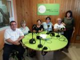 Un grup de voluntaris lingüístics participa en les gravacions a Ràdio Silenci