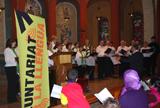Celebració de Sant Jordi a Vilafranca amb cant coral i tast de menjars d'arreu del món