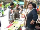 Centenars de persones 'apadrinen' una paraula ebrenca per Sant Jordi