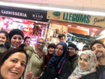 Els alumnes d'un B1 de Vilafranca practiquen el català al mercat