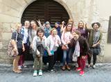 Les alumnes del Vendrell coneixen la biblioteca 'Terra Baixa'