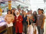 Alumnat de català visita el mercat municipal de Tortosa