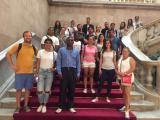 Alumnes dels cursos bàsics de Nou Barris visiten el Parlament
