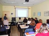94 alumnes dels cursos de formació ocupacional de Vilanova i la Geltrú fan sessions sobre bones pràctiques d'atenció al públic