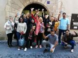 Alumnes del Vendrell visiten la biblioteca i el mercat