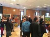 Visita d'alumnat del Servei Comarcal de Català del Montsià a l'exposició de pintura de Narcís Galiá Adell