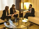 La consellera de Cultura lliura l'Informe de Política Lingüística de 2017 al president del Parlament de Catalunya