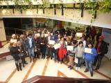 El director general d'Immigració i la presidenta del CPNL lliuren els certificats dels cursos del programa de Reagrupament i Treball