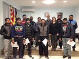 Lliurament de certificats a l'alumnat d'un curs d'acolliment lingüístic a Corbera d'Ebre