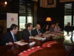 La CCC i el CPNL signen un conveni marc amb l'objectiu de coordinar les tasques que ambdues entitats duen a terme en la promoció de l'ús del català en el sector socioeconòmic