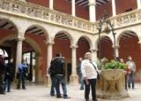 El voluntariat lingüístic de Tortosa visita la catedral i el nucli antic